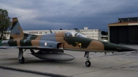 طائرة عسكرية تونس