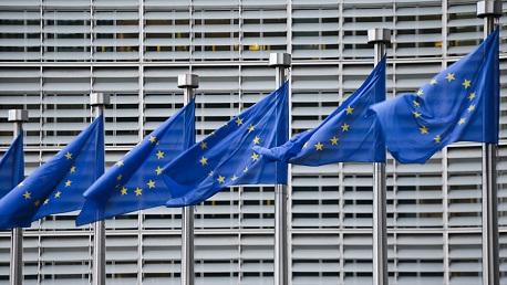 المفوضية الأوروبية: لن نفرض على دول شمال أفريقيا إقامة مخيمات لاجئين