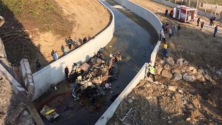 تركيا: 22 قتيلاً في انقلاب شاحنة تقلّ مهاجرين