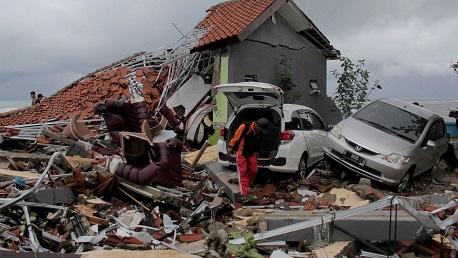 """ارتفاع ضحايا """"تسونامي"""" إندونيسيا لـ281 قتيلا و1000 جريح"""