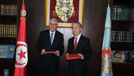 إمضاء اتفاقية هبة صينية لفائدة المؤسسة العسكرية