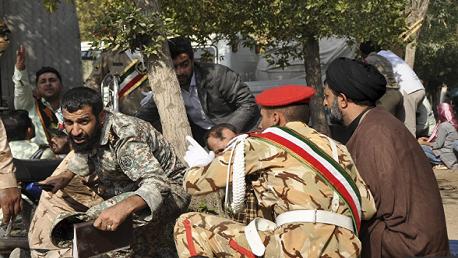 مقتل 27 عنصراً من الحرس الثوري في تفجير انتحاري جنوب إيران