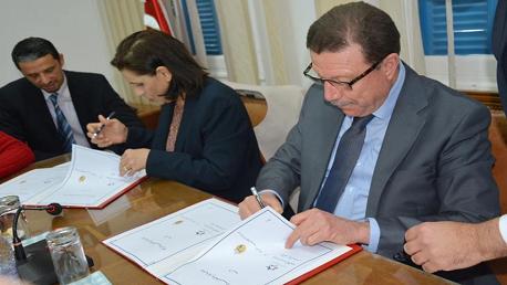 توقيع اتفاقية تعاون وشراكة بين وزارة الشؤون الدينية وهيئة مكافحة الاتجار بالبشر