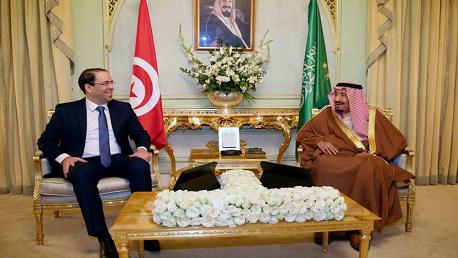 رئيس الحكومة يوسف الشاهد يجري لقاء مع العاهل السعودي الملك سلمان بن عبد العزيز آل سعود