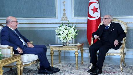رئيس الجمهورية يلتقي محافظ البنك المركزي
