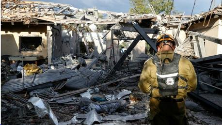 إصابة 7 إسرائيليين بصاروخ أطلق من قطاع غزة سقط شمال تل أبيب