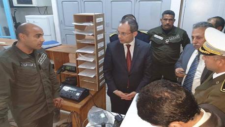 وزير الداخلية يتفقد الوحدات الأمنية بجرجيس وجربة