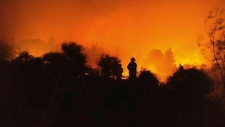 حريق ضخم بقاعدة عسكرية في تل أبيب