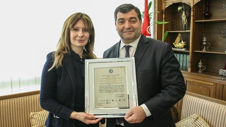روني الطرابلسي يتحصل على وسام شرف كأفضل وزير ساهم في تطوير السياحية في ضفة البحر الأبيض المتوسط