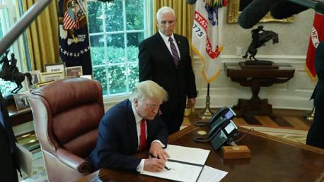 ترامب يوقع عقوبات أمريكية جديدة على إيران