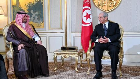 وزير الداخلية السعودي يقدّم واجب العزاء في وفاة الرئيس السبسي