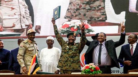 السودان: توقيع اتفاق تاريخي يمهد للانتقال لحكم مدني