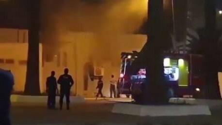 حريق يلتهم مبنى داخل مطار الجزائر