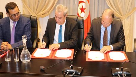 توقيع اتفاقية لبث برنامج بين المعاهد وسلسلة من دروس الدعم لسنوات التاسعة أساسي والبكالوريا