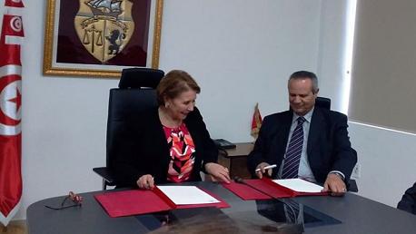 إمضاء اتفاقية شراكة بين وزارة المرأة والمجلس التونسي للاجئين