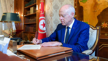 رئيس الجمهورية يمضي القائمة النهائية للحكومة