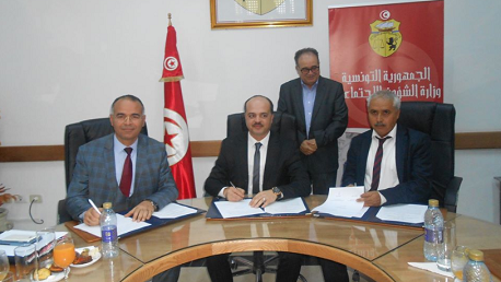 التوقيع على تجديد العمل بالاتفاقية التعاقدية بين الصندوق الوطني للتأمين على المرض والنقابة التونسية لأطباء الأسنان الممارسين بصفة حرة