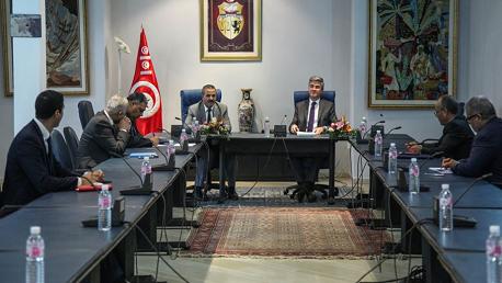 جلسة عمل تنسيقية بين وزارتي الصحّة والسياحة والصناعات التقليدية للحد من انتشار فيروس كورونا