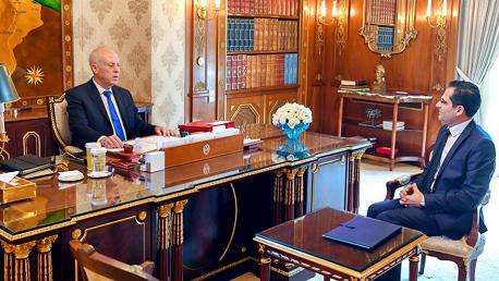 رئيس الجمهورية يأمر باستكمال عمليات إجلاء التونسيين بالخارج