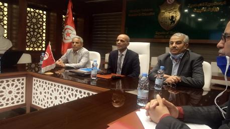 اجتماع  وزارة التربية و الجامعة العامة للتعليم الأساسي