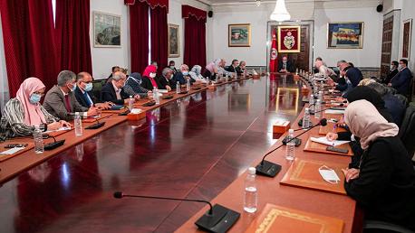 رئيس الحكومة يلتقي كتلة حركة النهضة
