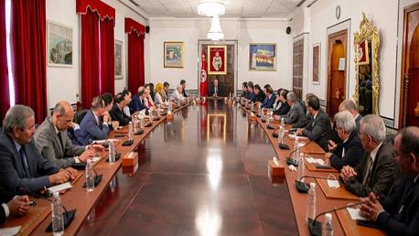 رئيس الحكومة يستقبل نواب كتلة الإصلاح وكتلة تحيا تونس وكتلة المستقبل