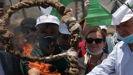إصابة 15 فلسطينيا بالرصاص والعشرات بالاختناق خلال قمع الاحتلال مسيرة مناهضة للاستيطان
