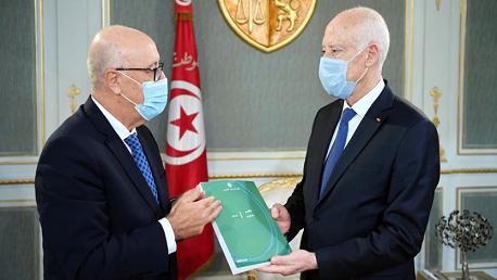 قيس سعيد و محافظ البنك المركزي مروان العباسي