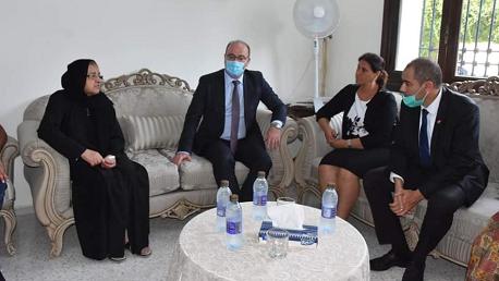 الفخفاخ وعدد من أعضاء الحكومة يُؤدون واجب العزاء لعائلة حمادي العقربي