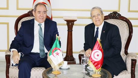 وزير الخارجية الجزائري صبري بوقادوم  في زيارة إلى تونس