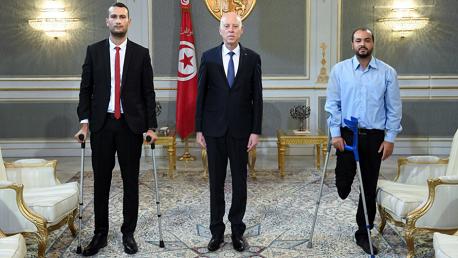 رئيس الجمهورية يلتقي جريحيْ الثورة الشابين يسري الزرلي ووليد الكسراوي