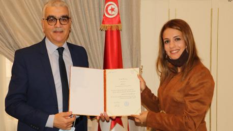 تحصّلت على جائزة أفضل معلّم في العالم : وزير التربية يستقبل المربية ياسمين الصكلي