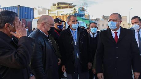رئيس الحكومة يؤدي زيارة فجئية إلى ميناء سوسة