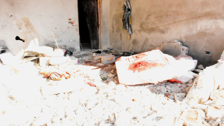 عدوان صهيوني يُودي بحياة عائلة سورية ويُدمر عدّة منازل