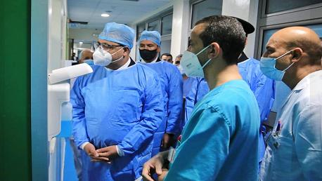 المشيشي يعود الحبيب الصيد في المستشفى العسكري