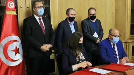 الإمضاء على اتفاق تفعيل الاتفاقيات السابقة الممضاة في قطاعات الوظيفة العمومية