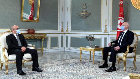 سعيد و رئيس المجلس الأعلى للقضاء يوسف بوزاخر.