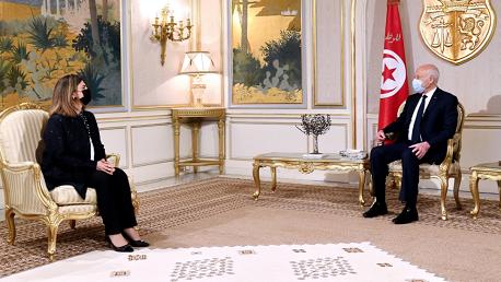 قيس سعيد و ، وزيرة الخارجية والتعاون الدولي بحكومة الوحدة الوطنية الليبية نجلاء المنقوش