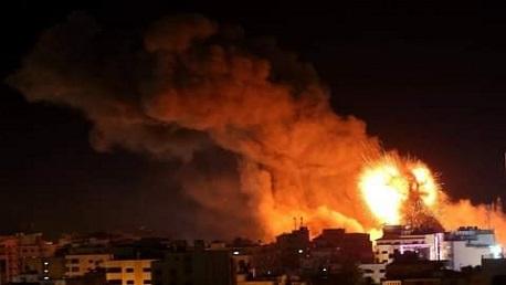 قصف جوي وبري وبحري على قطاع غزة