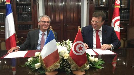اتفاق شراكة بين تالنات وشركة فرنسية لصناعة وإطلاق كوكبة من 30 قمر صناعي