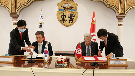قرض ميسّر بقيمة 60 مليون دولار أمريكي لتمويل مشروع رقمنة المنظومة العقاريّة للبلاد التّونسيّة