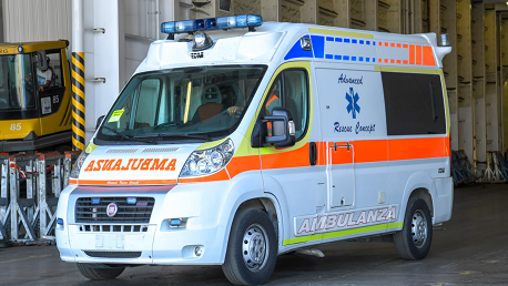 تونس تتسلّم مستلزمات طبية ومكثفات أكسجين وسيارة إسعاف متطورة من إيطاليا