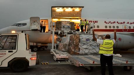 الجزائر تُرسل لتونس 200 ألف جرعة تلقيح و80 مكثف اوكسجين