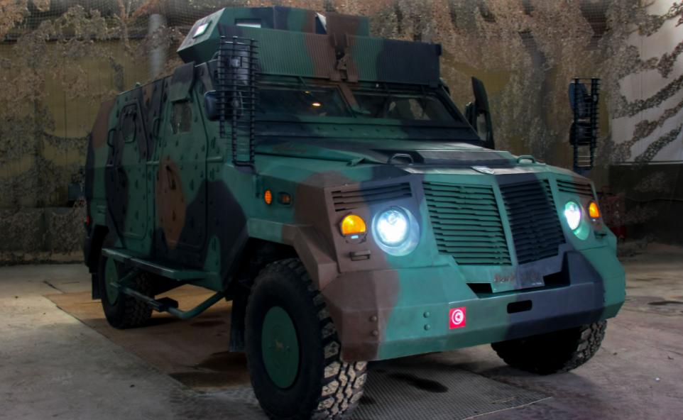 عربة عسكرية