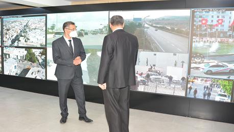 وزير الداخلية في زيارة تفقد للوحدات الأمنية المتمركزة بالعاصمة