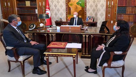 سعيد و توفيق شرف الدين، وزير الداخلية، فضيلة الرابحي بن حمزة،وزيرة التجارة وتنمية الصادرات